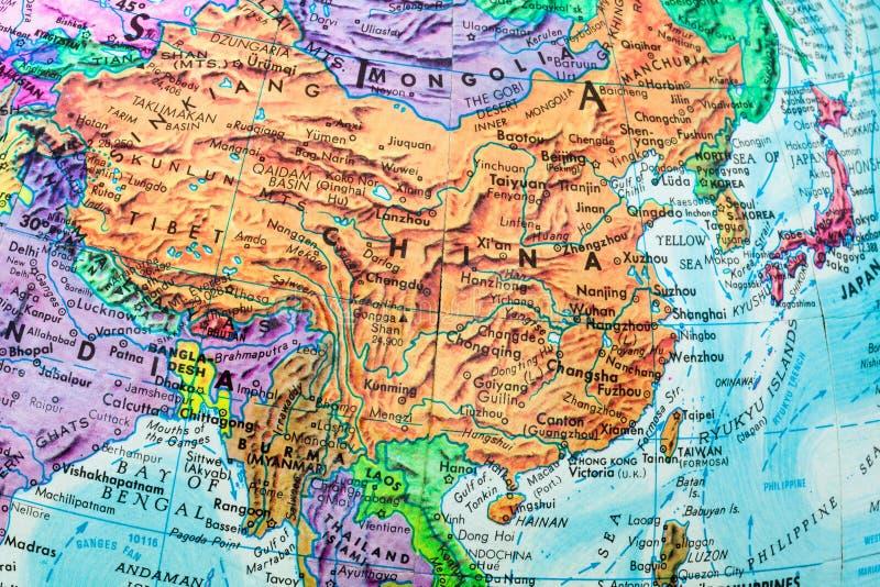 Vecchia mappa del globo del primo piano della Cina fotografia stock