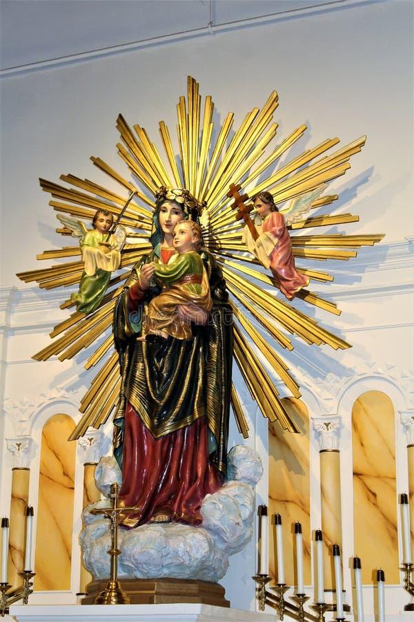 Vecchia missione di Adobe, la nostra signora della chiesa cattolica perpetua di aiuto, Scottsdale, Arizona, Stati Uniti fotografia stock libera da diritti