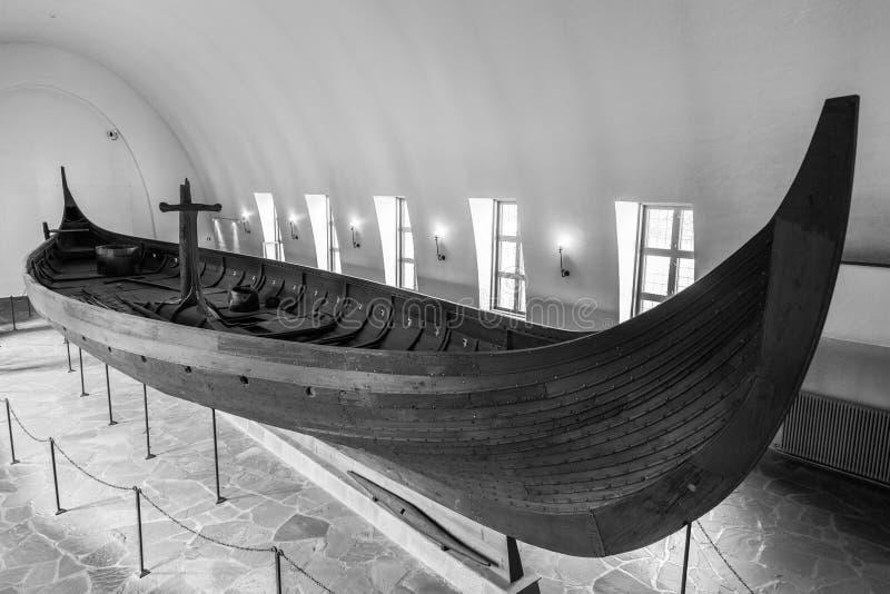 Vecchia nave del Vichingo immagini stock