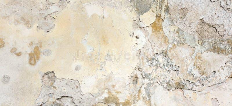 Vecchia parete con buccia Grey Stucco Texture Retro fondo indossato d'annata della parete Insegna astratta ruvida incrinata decom fotografia stock