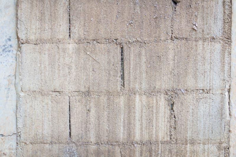 Vecchia parete del blocco in calcestruzzo fotografie stock libere da diritti