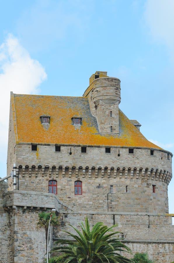 Vecchia parete della fortezza in Saint Malo immagini stock libere da diritti