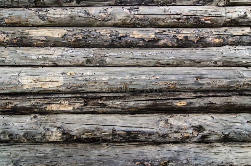 Vecchia parete di legno dei ceppi immagini stock