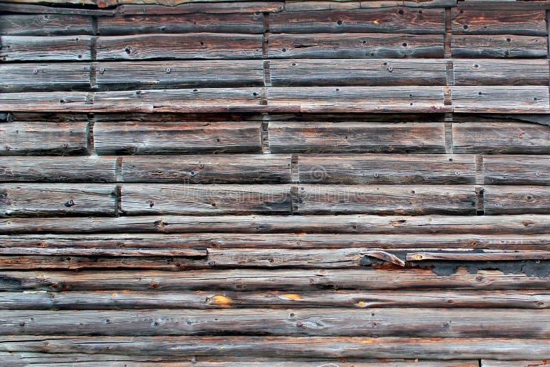 vecchia parete di legno esposta all'aria Legname d'annata che blocca fondo architettonico immagini stock