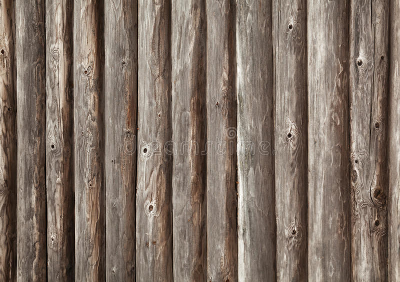 Vecchia parete di legno marrone della casa rurale fotografie stock