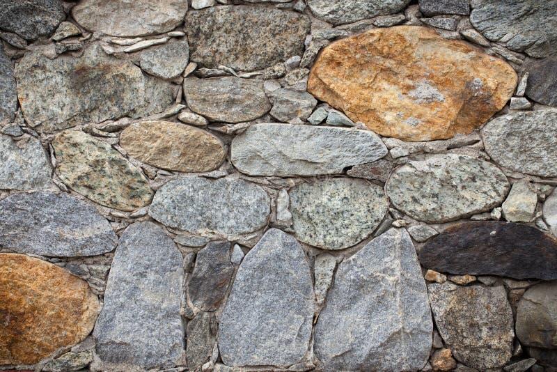 Download Vecchia parete di pietra immagine stock. Immagine di roccia - 56888605
