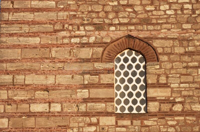 Vecchia parete di pietra - formato GREZZO immagine stock