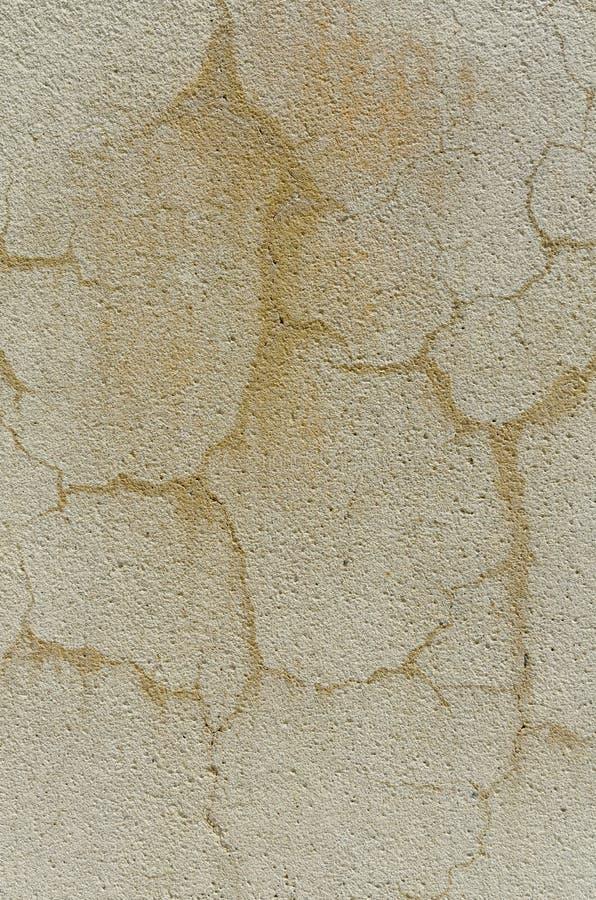 Vecchia parete esposta all'aria dello stucco fotografia stock