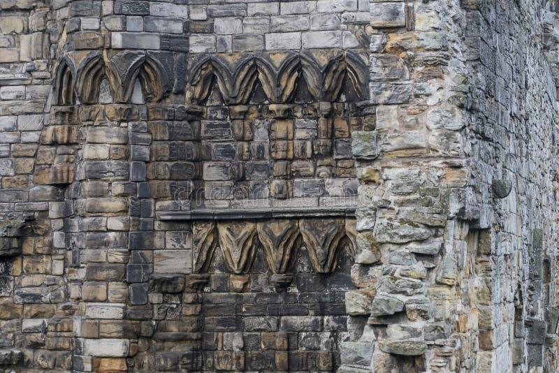 Vecchia parete nelle rovine della st Andrews Cathedral, Scozia fotografie stock libere da diritti