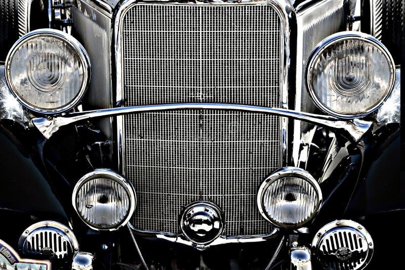 Vecchia parte anteriore del motore di automobile dell'annata fotografie stock