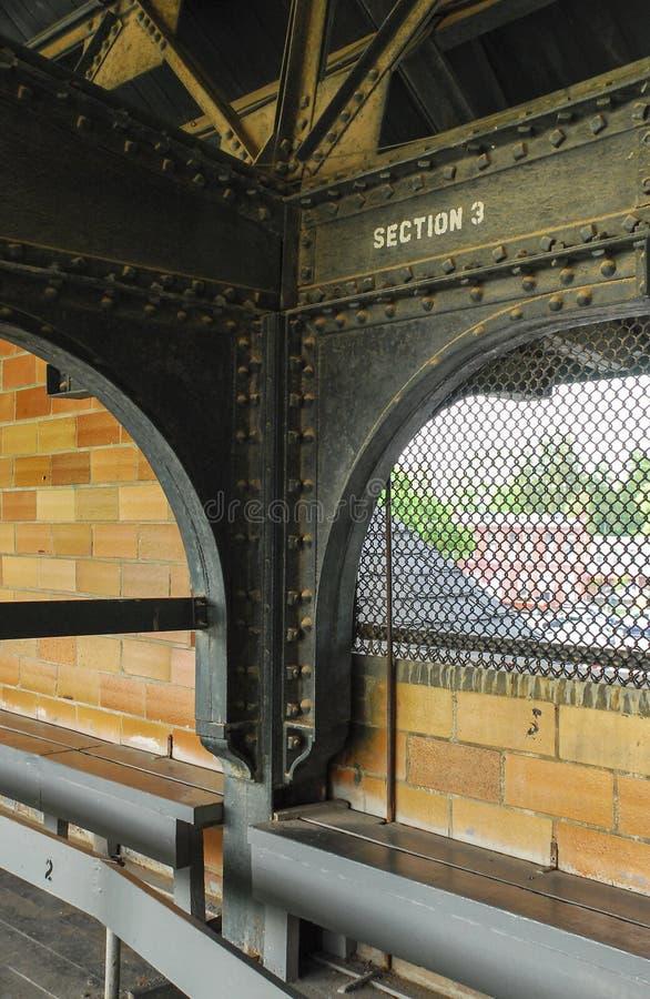 Vecchia piattaforma superiore dello stadio di baseball fotografia stock