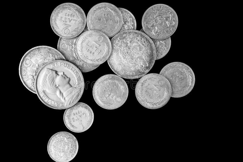 Vecchia pila lettone della moneta d'argento dei lats fotografie stock libere da diritti