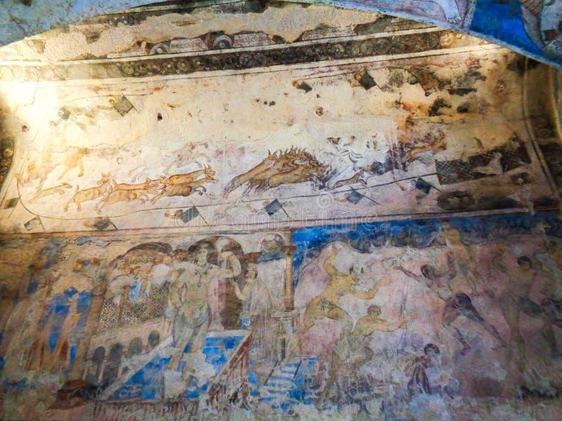 vecchia pittura della parete in una catacomba fotografie stock libere da diritti