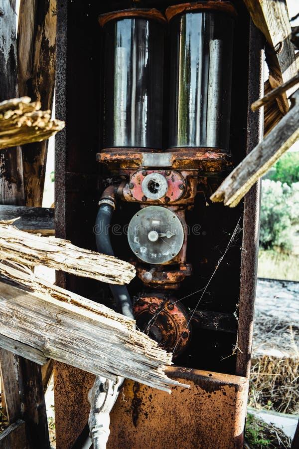 Vecchia pompa della benzina fotografie stock