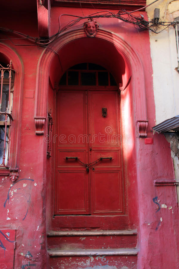 Vecchia porta del ferro fotografie stock libere da diritti
