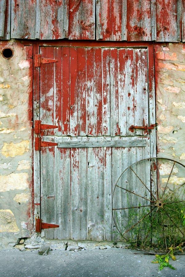 Vecchia porta di granaio fotografia stock