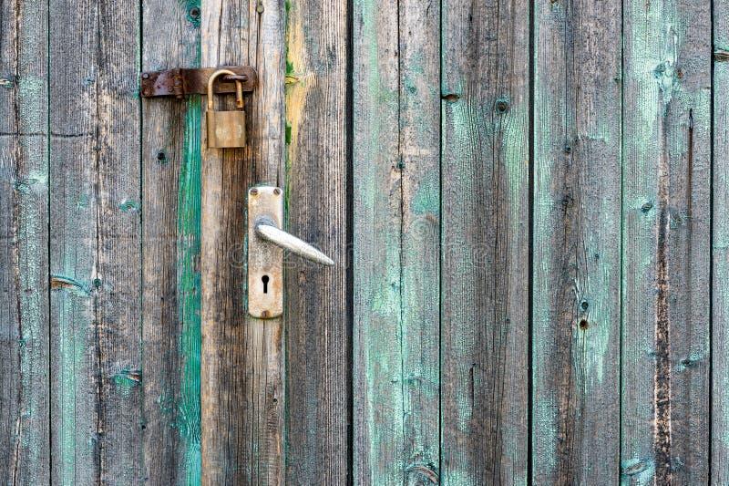 Vecchia porta di granaio fotografie stock