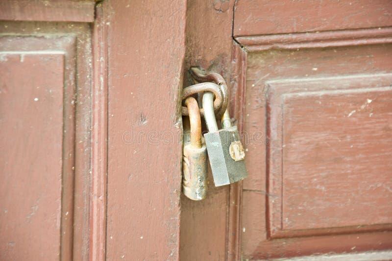 Vecchia porta di serratura immagine stock libera da diritti
