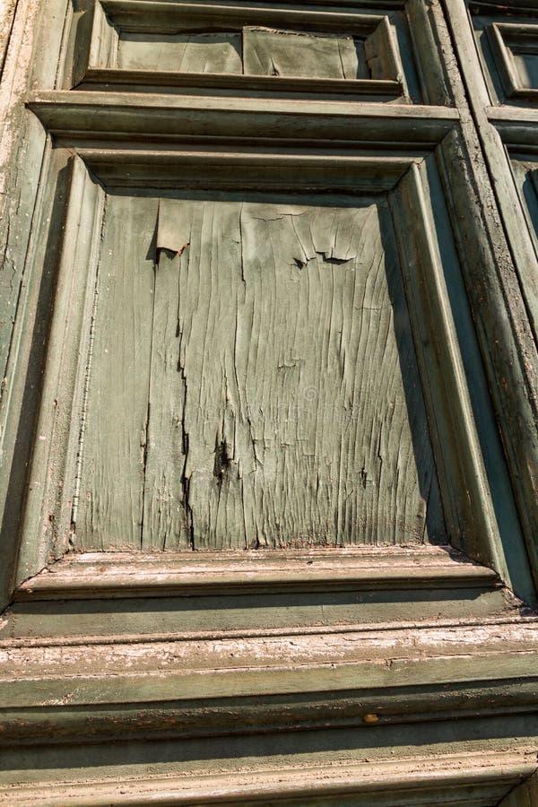 Vecchia porta stagionata immagine stock