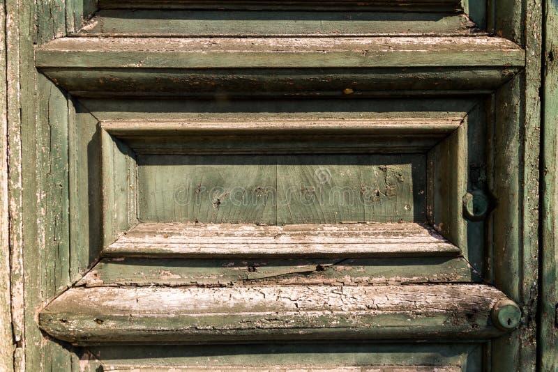 Vecchia porta stagionata immagini stock