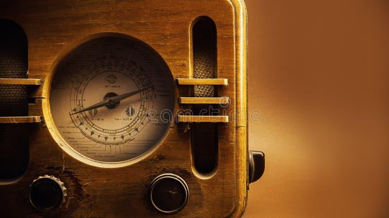 Vecchia progettazione radiofonica di legno fotografia stock libera da diritti