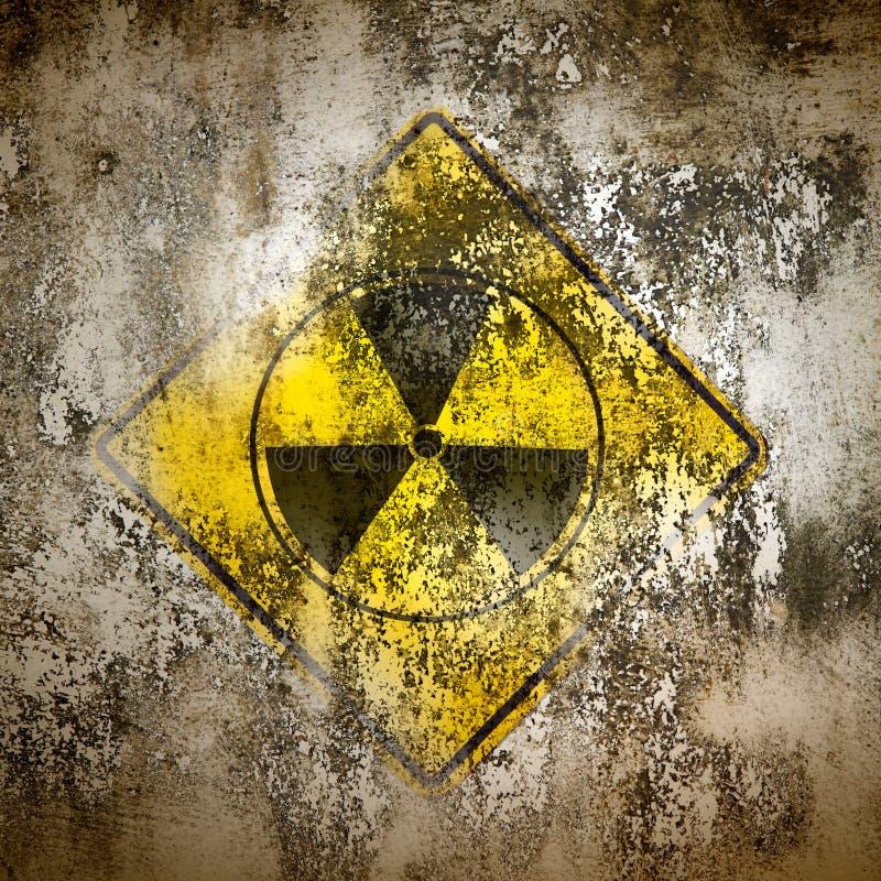 Vecchia radiazione del segno sulla parete royalty illustrazione gratis