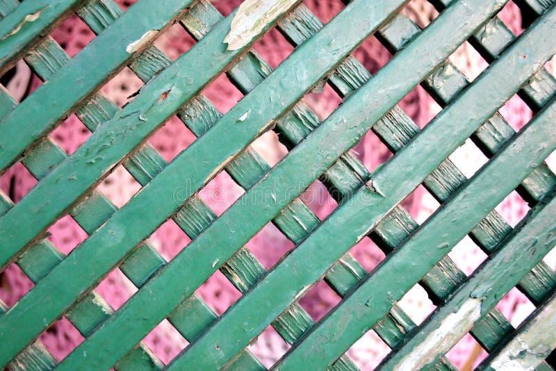 Vecchia rete fissa di legno del giardino fotografie stock libere da diritti