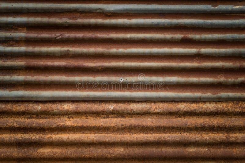 Download Vecchia Ruggine Su Struttura Del Fondo Della Parete Dello Zinco Immagine Stock - Immagine di metallo, grigio: 56881105