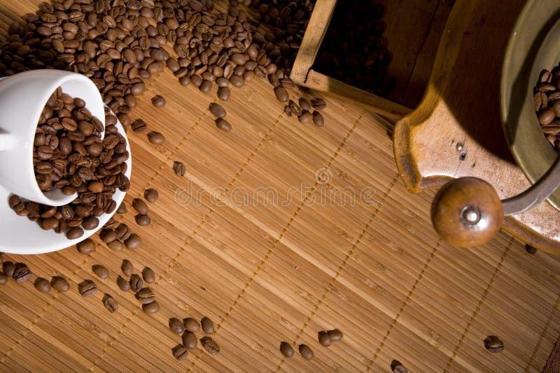 Vecchia smerigliatrice di caffè immagini stock libere da diritti