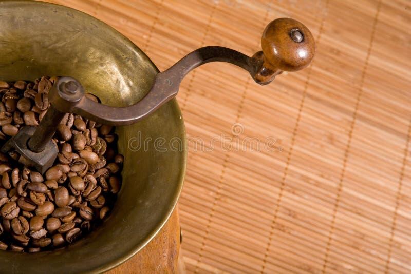 Vecchia smerigliatrice di caffè fotografie stock libere da diritti