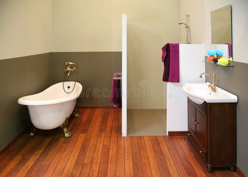Vecchia stanza da bagno fotografia stock libera da diritti