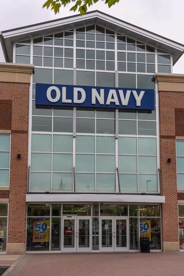 Vecchia stanza frontale di negozio della marina nel centro città di provvidenza fotografia stock libera da diritti