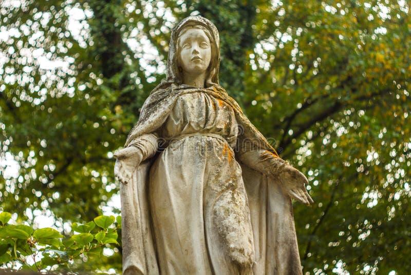 Vecchia statua classica di Maria Magdalena fotografie stock libere da diritti