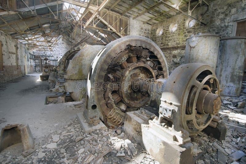 Vecchia stazione elettrica abbandonata della centrale elettrica immagine stock libera da diritti