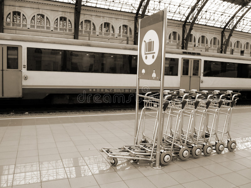 Vecchia stazione ferroviaria fotografia stock