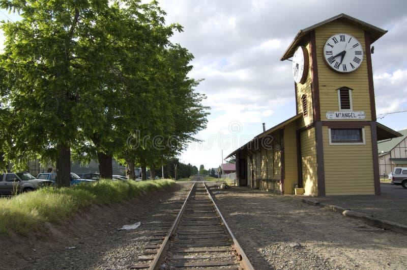 Vecchia stazione ferroviaria americana della città fotografia stock libera da diritti
