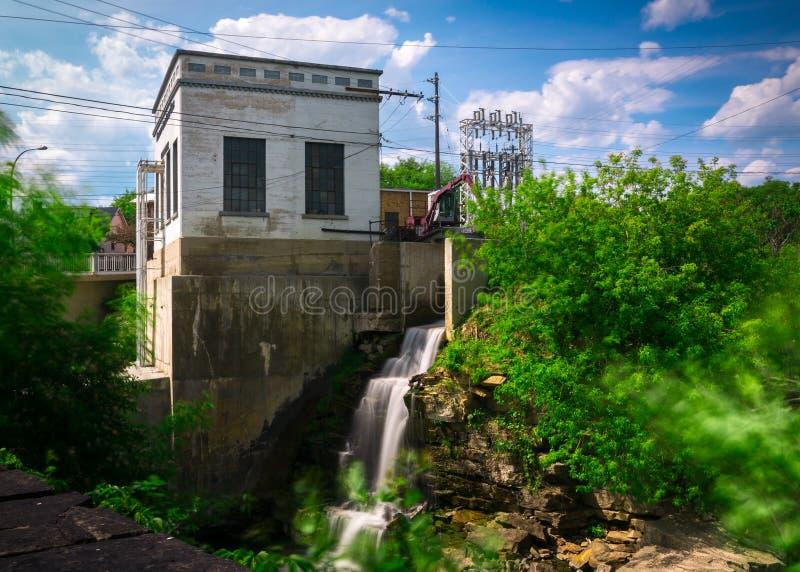 Vecchia stazione generatrice di forza motrice idroelettrica immagine stock