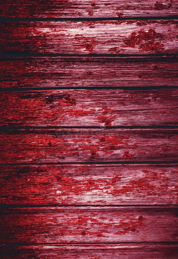 Vecchia struttura di legno naturale sanguinosa rossa Pannello del fondo di lerciume vecchio immagine stock libera da diritti