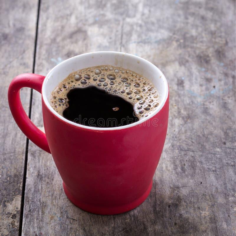 Vecchia tazza da caffè rossa fotografie stock libere da diritti