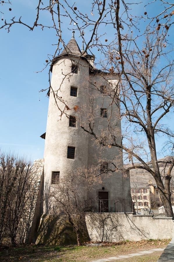 Vecchia torre della strega in Sion, Svizzera fotografia stock