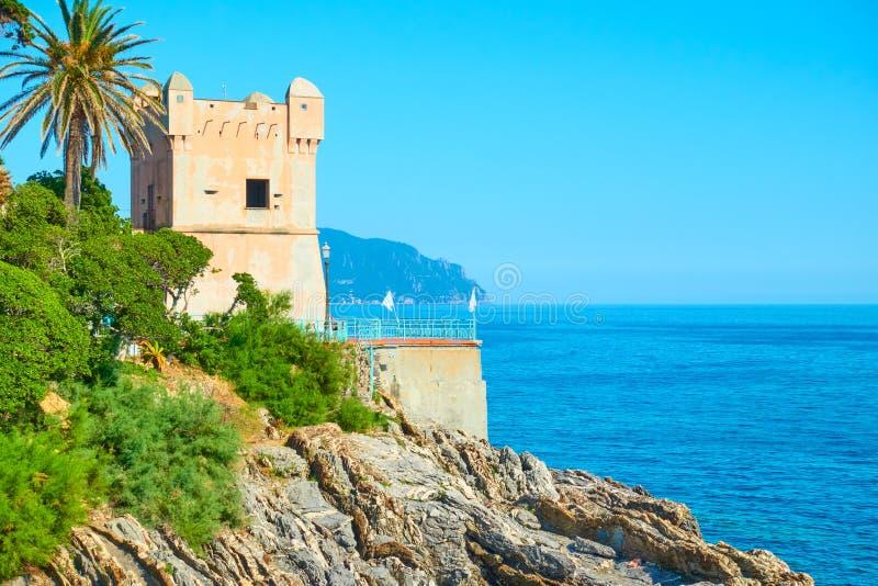 Vecchia torre a Genova Nervi immagini stock