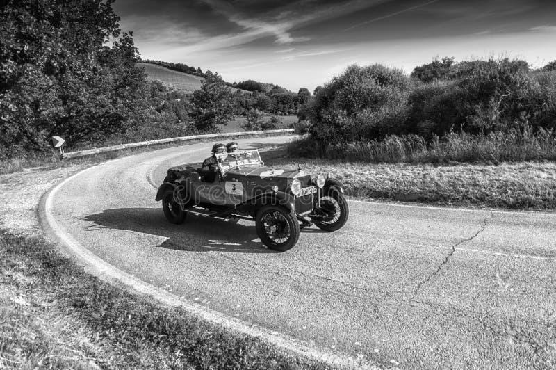 665 vecchia vettura da corsa di S SUPERBA 2000 1925 nel raduno 2018 di Mille Miglia la corsa storica italiana famosa 1927-1957 fotografie stock libere da diritti