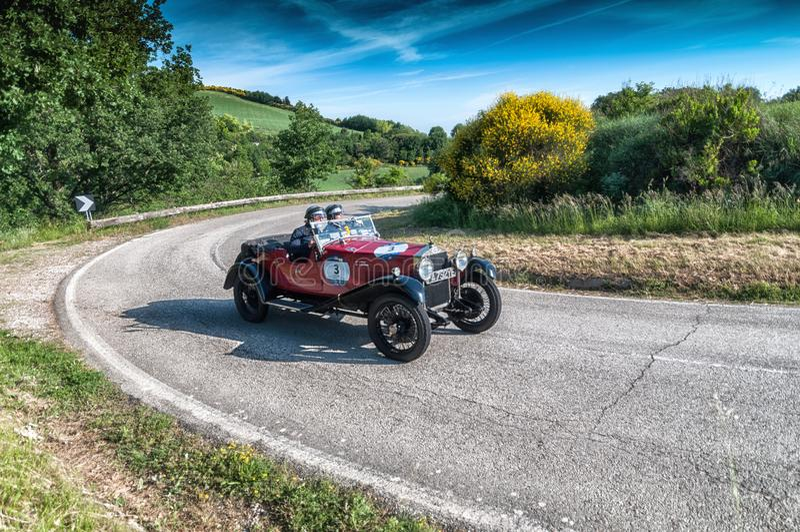 665 vecchia vettura da corsa di S SUPERBA 2000 1925 nel raduno 2018 di Mille Miglia la corsa storica italiana famosa 1927-1957 immagine stock