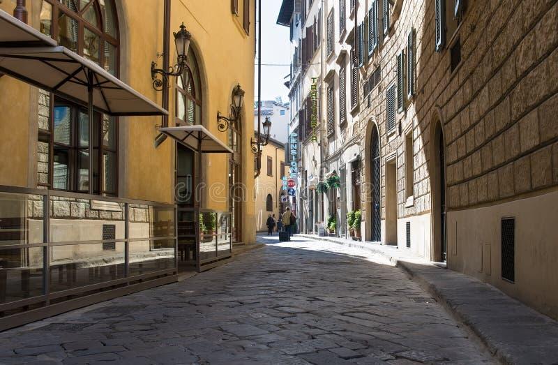 Vecchia via a Firenze fotografia stock