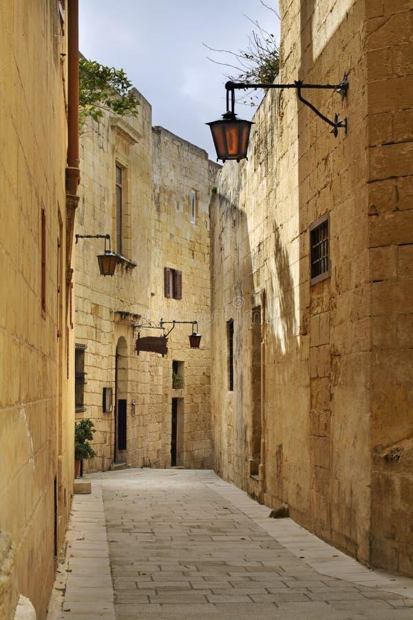 Vecchia via in Mdina malta fotografia stock