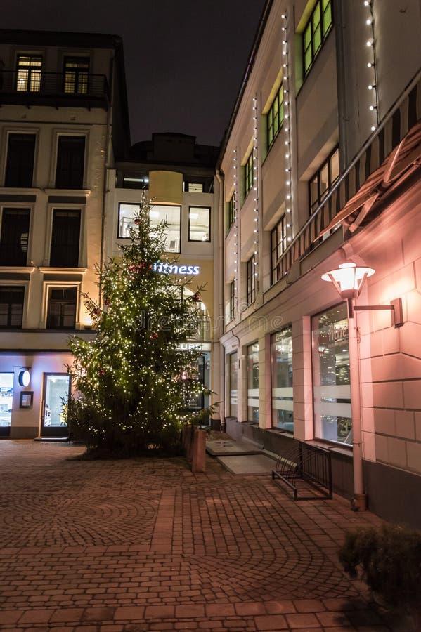 Vecchia via a Riga, Lettonia fotografie stock libere da diritti