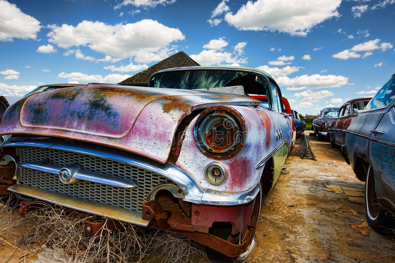 Vecchie automobili abbandonate fotografie stock libere da diritti