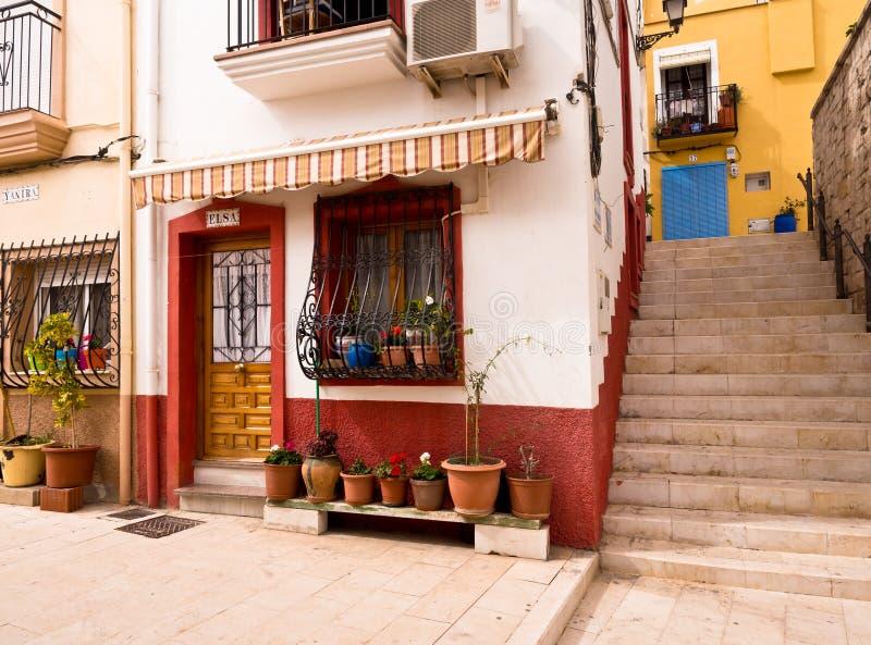 Vecchie Camere Colourful in Alicante, Spagna fotografie stock