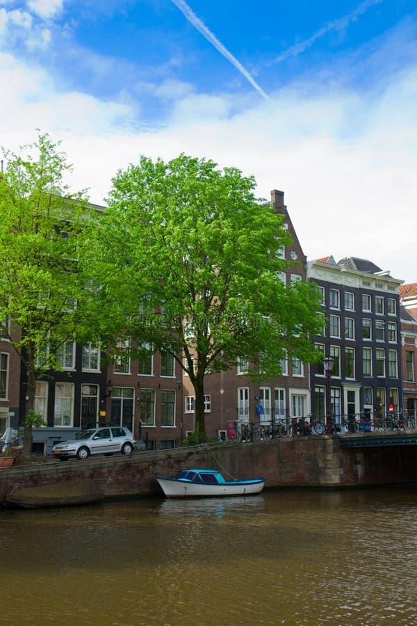 Vecchie case di Amsterdam, Paesi Bassi fotografia stock libera da diritti