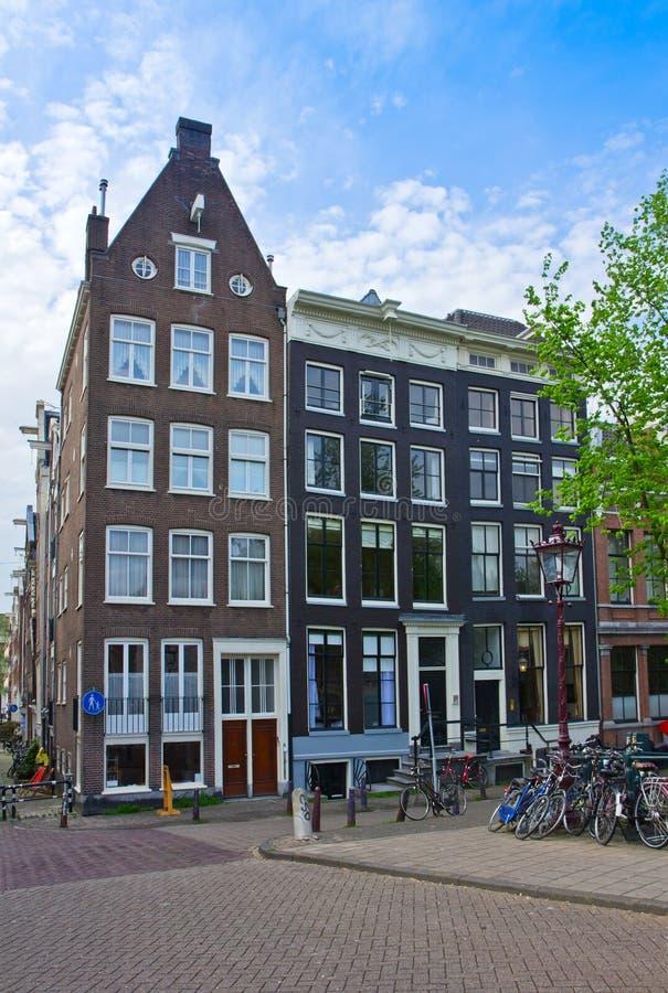 Vecchie case di Amsterdam, Paesi Bassi immagine stock